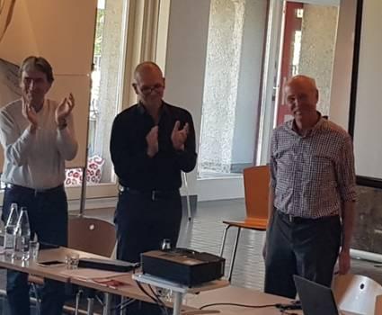 Balról jobbra:  Helmy Abouleish,DI elnök; Alexander Gerber,alelnök;  Thomas Lüthi, tiszteletbeli elnök.
